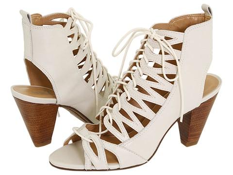 Sandálias e Sapatos com Cadarços e Amarrações Sandálias e Sapatos com Cadarços e Amarrações