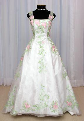 Dicas de Vestidos de Debutantes para cada Tipo de Corpo 3 Dicas de Vestidos de Debutantes para cada Tipo de Corpo