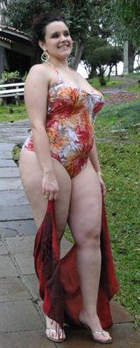 Maios e Biquínis GG para a Moda Verão 2012 2 Maiôs e Biquínis GG para a Moda Verão 2012