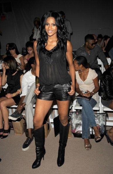 Fotos e Modelos de Shorts de Couro 44 Fotos e Modelos de Shorts de Couro