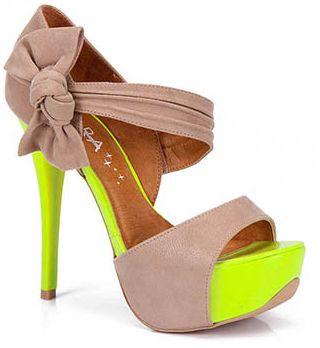 Modelos de Sapatos Neon 2 Modelos de Sapatos com Detalhes em Neon