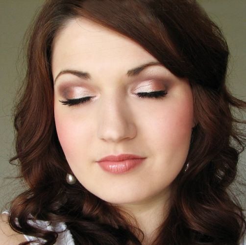 Applying Eye Makeup For Wedding Day : Dicas de Maquiagem para Madrinhas
