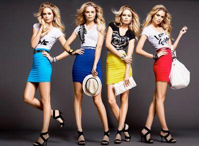 Saber usar corretamente uma saia colada é fundamental para manter a elegância em seu visual (Foto: Divulgação)