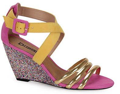 Os modelos de sandálias para o carnaval 2013 devem ser os mais confortáveis possíveis (Foto: Divulgação)