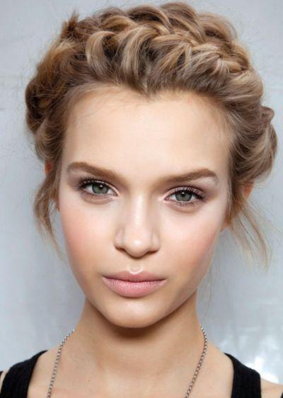 Ter como trunfo uma maquiagem neutra é um ótimo recurso para as mulheres sem tempo, mas que não abrem mão de saírem bem arrumadas (Foto: Divulgação)