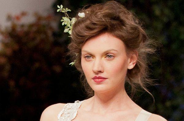 A maquiagem romântica é simples de ser feita, mas garante muitos elogios (Foto: Divulgação)