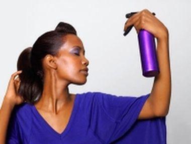 Use spray fixador de maquiagem para garantir maior duração dos produtos em sua pele, mesmo usando o primer (Foto: Divulgação)