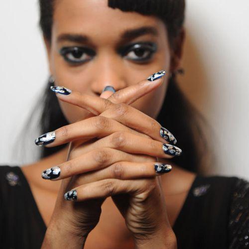 A moda nail arts inverno 2013 traz várias opções para as aficionadas por decorações de unhas (Foto: Divulgação)