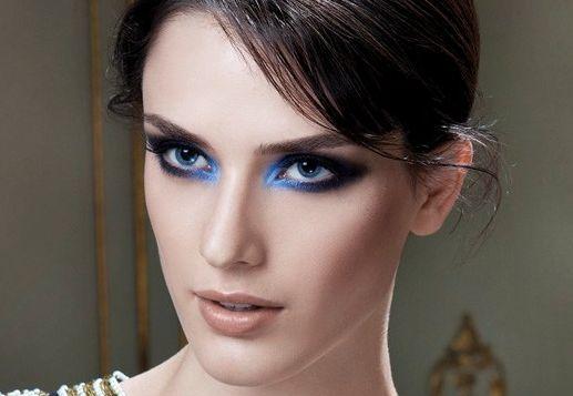 A maquiagem devorê evidencia e ressalta o olhar, deixando a mulher muito mais sensual e misteriosa (Foto: Divulgação)