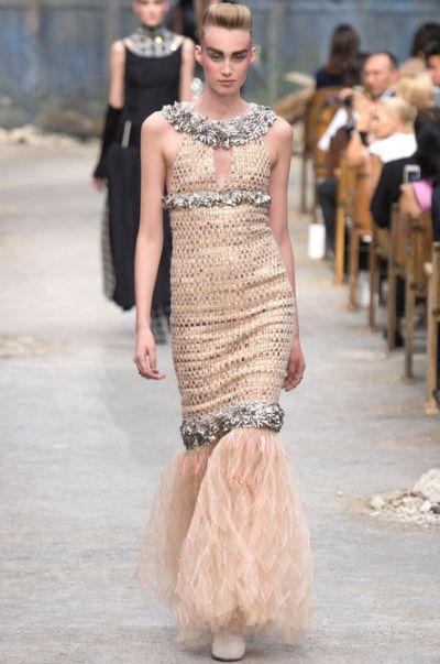A coleção Chanel inverno 2014 foi marcada pelo luxo e sofisticação (Foto: Divulgação)