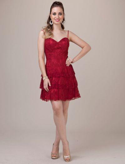 Os vestidos curtos para formaturas 2013 estão encantadores e há opções para todos os tipos de corpos (Foto: Divulgação)