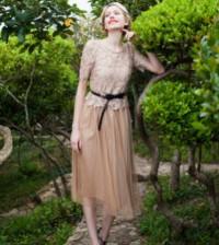 É muito fácil usar a cor nude no look, pois ela é muito democrática e eclética (Foto: Divulgação)