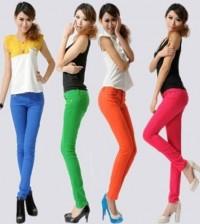 Há muitas opções de calças coloridas e fresquinhas para usar na moda verão 2014, basta você escolher o modelo de sua preferência (Foto: Divulgação)