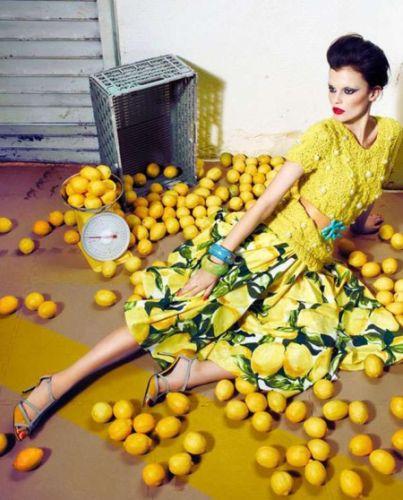 As estampas de frutas na moda 2014 muitas vezes chegam de forma inusitada (Foto: Divulgação)