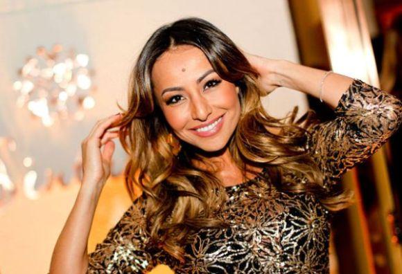 Lowlights é a nova moda para cabelos que está fazendo a cabeça de celebridades e anônimas (Foto: Divulgação)