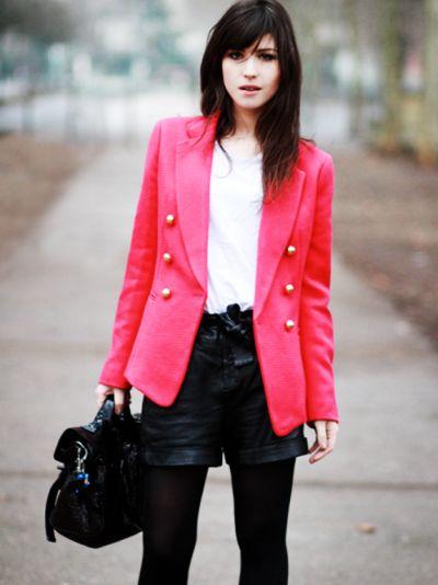 Usar meia-calça e casaco sem errar fica mais fácil se você seguir algumas regrinhas de moda (Foto: Divulgação)