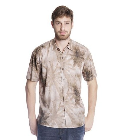Homens podem usar camisa estampada e de diversas maneiras (Foto: loja.adji.com.br) 118,30