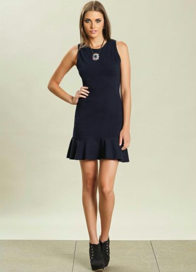 Montar um guarda-roupa inteligente é mais fácil do que você imagina (Foto: posthaus.com.br) Vestido 59,99