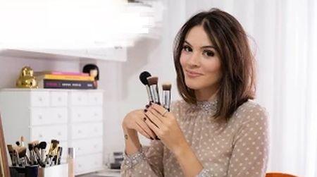 Montar uma maquiagem natural para fotos é fácil e você pode usar esta make em outras ocasiões também (Foto: youtube.com)