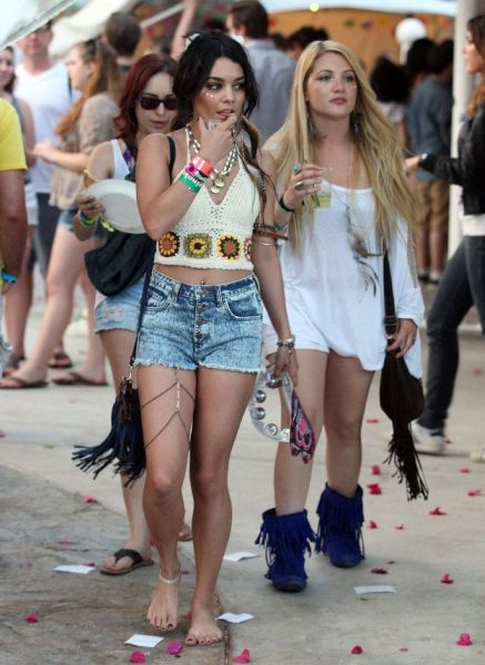 A nova moda leg chain pode frequentar vários locais (Foto: pinterest.com)