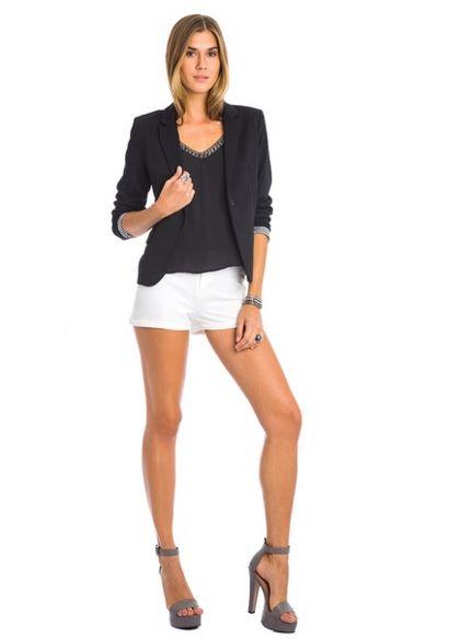 Incorporar blazer no seu dia a dia pode ser a forma mais fácil de sofisticar as suas produções (Foto: morenarosa.com.br) Blazer 669,90