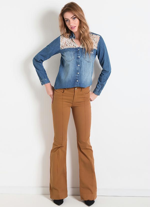 A camisa jeans no look pode ser peça-curinga (Foto: posthaus.com.br) Camisa Jeans R$ 317,00