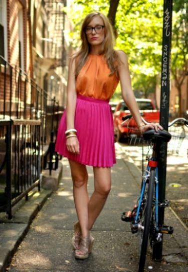 Combinar cores de roupas está mais fácil nesta temporada, já que as opções de combinações estão bem maiores (Foto: Divulgação)