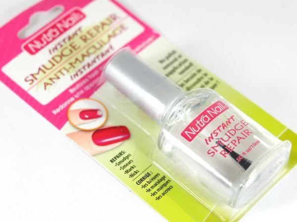 O novo produto que corrige esmaltes descascados está revolucionando a vida de quem não tem tempo para ficar fazendo as unhas (Foto: Divulgação)