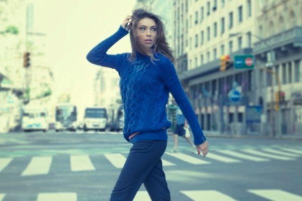 A tendência de moda do tricô para inverno 2013 é mais que bem-vinda para deixar o visual confortável e quente, ao mesmo tempo (Foto: Divulgação)