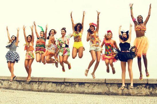As fantasias de carnaval Farm estão bem ecléticas e há modelos para todos os estilos (Foto: Divulgação)
