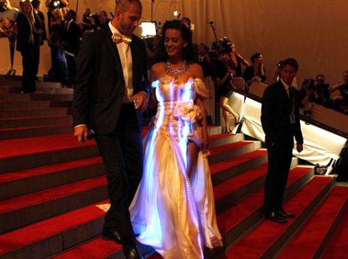 As roupas com LED são o novo objeto de desejo dos aficionados por tecnologia (Foto: Divulgação)