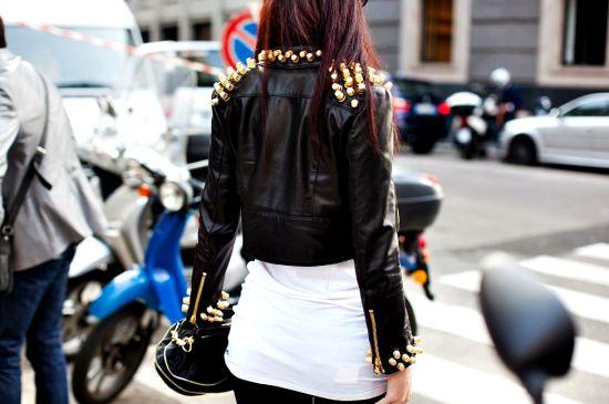 Os modelos de jaquetas com spikes atuais estão bem democráticos (Foto: Divulgação)