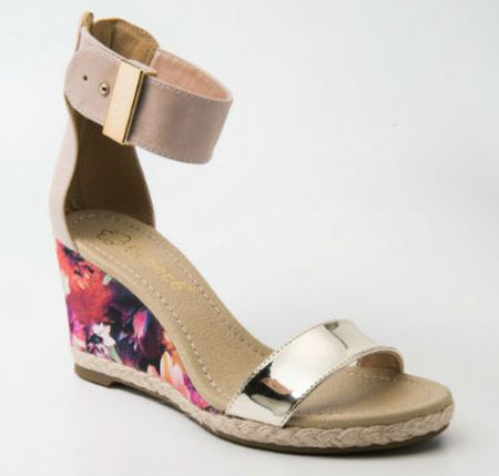 As tendências de sapatos para o verão 2014 estão bem democráticas, chegando para agradar tanto as gregas quanto as troianas (Foto: Divulgação)