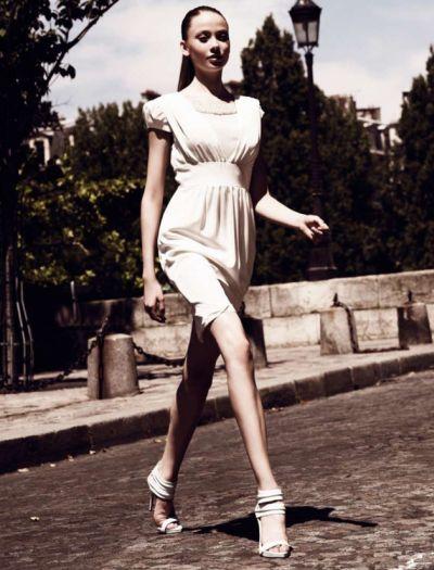 Para uma mulher se vestir de forma elegante é muito fácil, basta escolher as peças mais indicadas para cada ocasião e seu tipo físico (Foto: Divulgação)