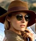 Os óculos redondos continuam como tendência de moda para a próxima temporada primavera-verão 2013 2014 (Foto: Divulgação)