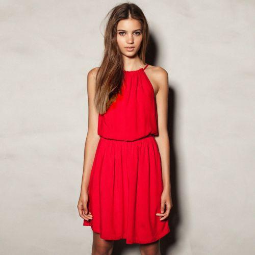 É fácil usar roupas vermelhas sem errar, basta levar em consideração o horário do dia e o estilo da peça que se quer usar (Foto: Divulgação)