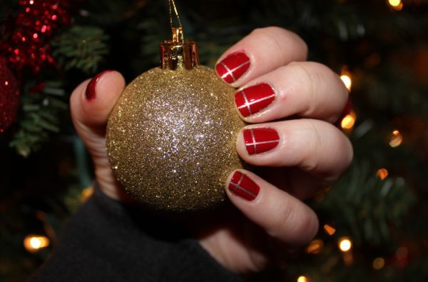 As unhas decoradas para o Natal 2013 estão bem democráticas e há modelos para todos os gostos (Foto: Divulgação)