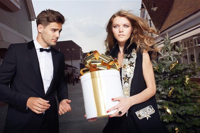 Muito luxo e requinte na edição especial da Revista ChicBuzz ® (Foto: Divulgação)