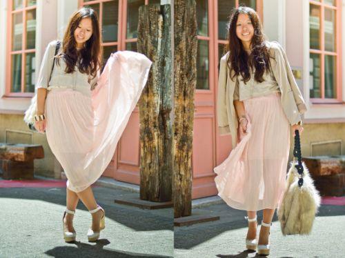 Atualmente durante o dia todo e possível usar transparência na saia (Foto: lookbook.nu)