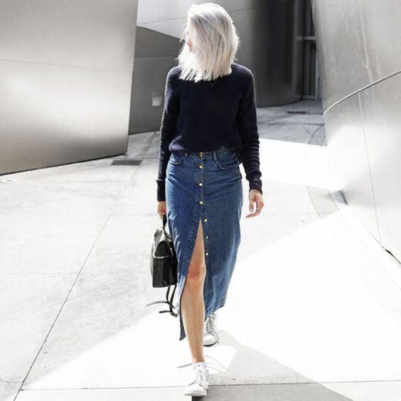 Confira como usar saia jeans com botões para diversificar os seus looks (Foto: pinterest.com)