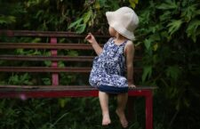 roupa de criança bonita